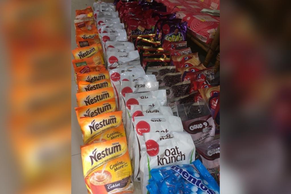 Antara barangan keperluan asas melalui inisiatif Give Back Friday diusahakan NASOM Kuantan.